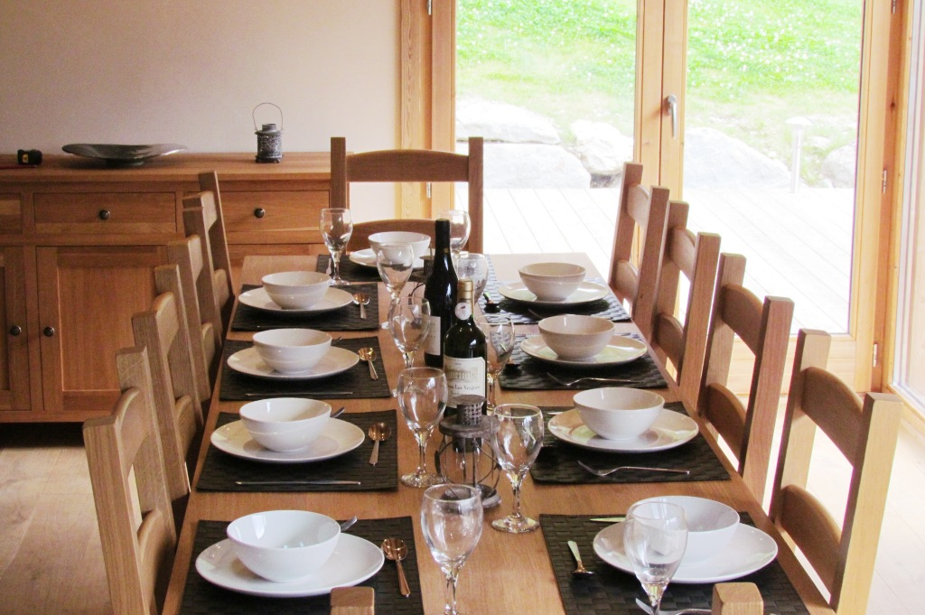 Etonnant Chalet Lynx Lounge Area Dining Table For 10 In Comfort ...