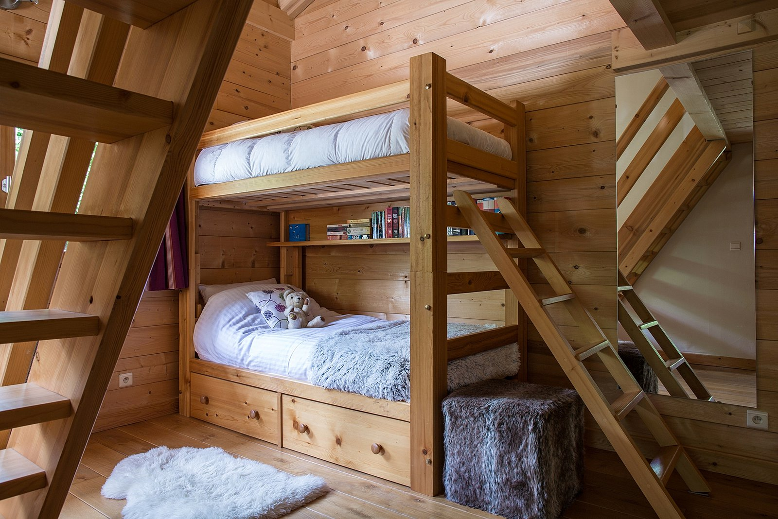 chalet for sale beau soleil les houches france. Black Bedroom Furniture Sets. Home Design Ideas
