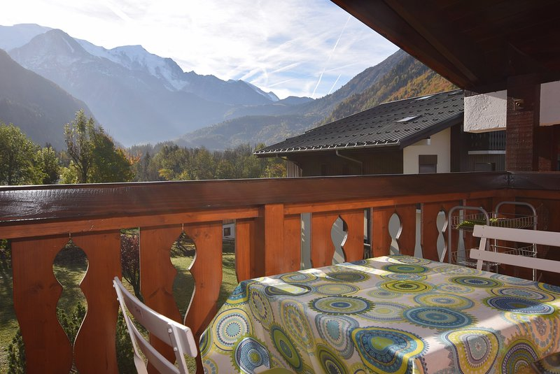 Attractive views from the balcony|Balcon avec jolie vue