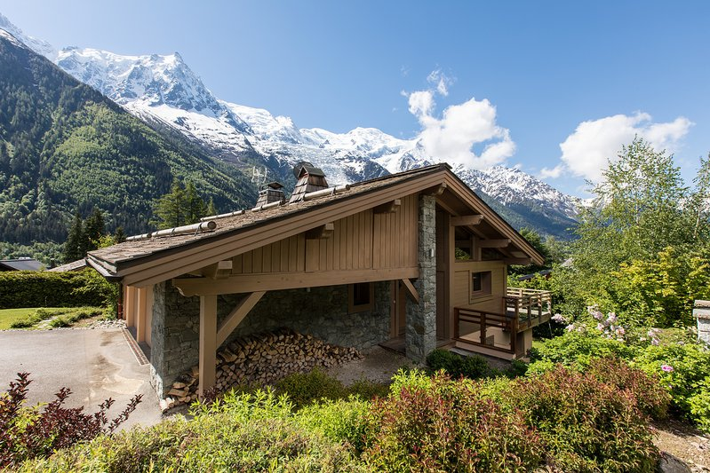 The exterior of Chalet Corbette with views towards Mont Blanc