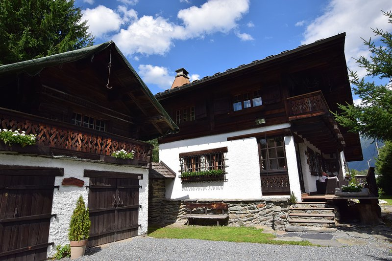 A traditional chalet|Un chalet traditionnel