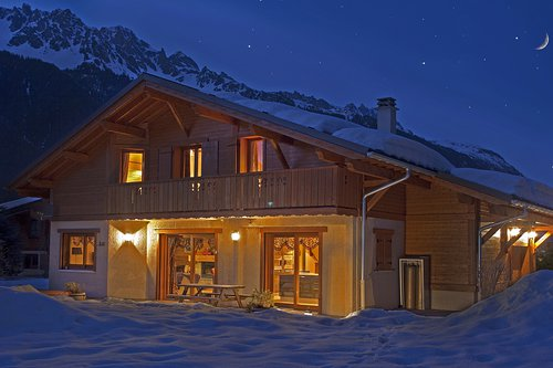 Chalet Sanaz in Winter