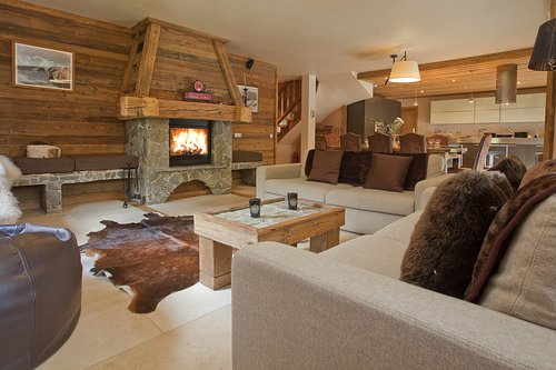 Charming interior with alpine features